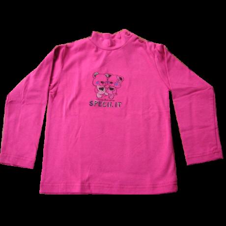Lila pulóver macikkal